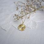 Joobee : collier long pendentif soleil de Petite Madame