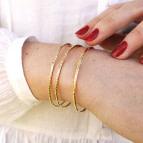 Joobee : bracelet jonc or martelé Martel de Sissi 100Fils porté
