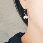 Joobee : Boucles d'oreilles mini créoles cœur de perles de Gisel b. portées