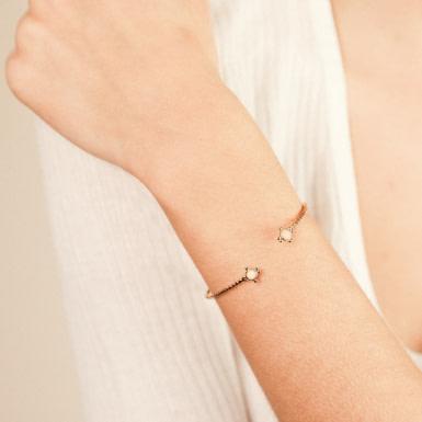 Joobee : bracelet jonc cabochon en verre Gabie de Constance L porté