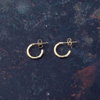 Joobee : Boucles d'oreilles mini créoles dorées Iris de 4 Crosses