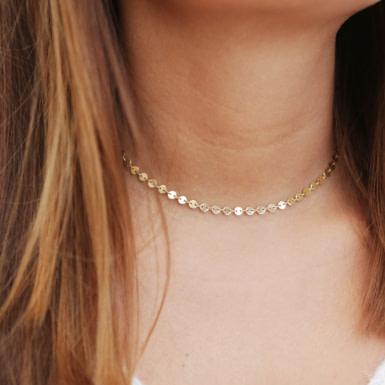 Joobee : collier Romeo choker de Constance L porté