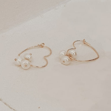 Joobee : Boucles d'oreilles mini créoles cœur de perles de Gisel b.