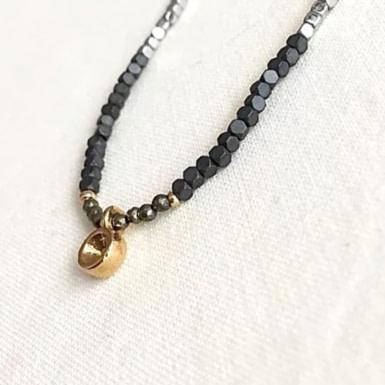 Joobee : collier pyrite et pendentif or Paddy de By Fleur de Jade