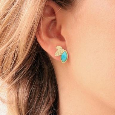 Joobee : Boucles d'oreilles puces amazonite de Aurélie Joliff portées