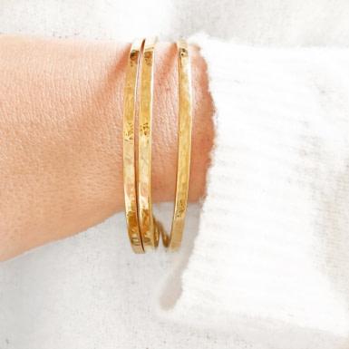 Joobee : 3 bracelets joncs Métal or de Helles portés