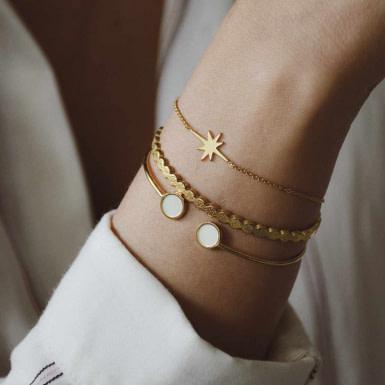 Joobee : bracelet Etoile de Léone porté