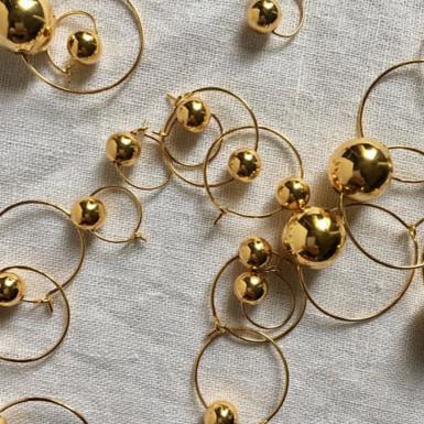 Joobee : Boucles d'oreilles mini créoles boules Balla de Elis Paris